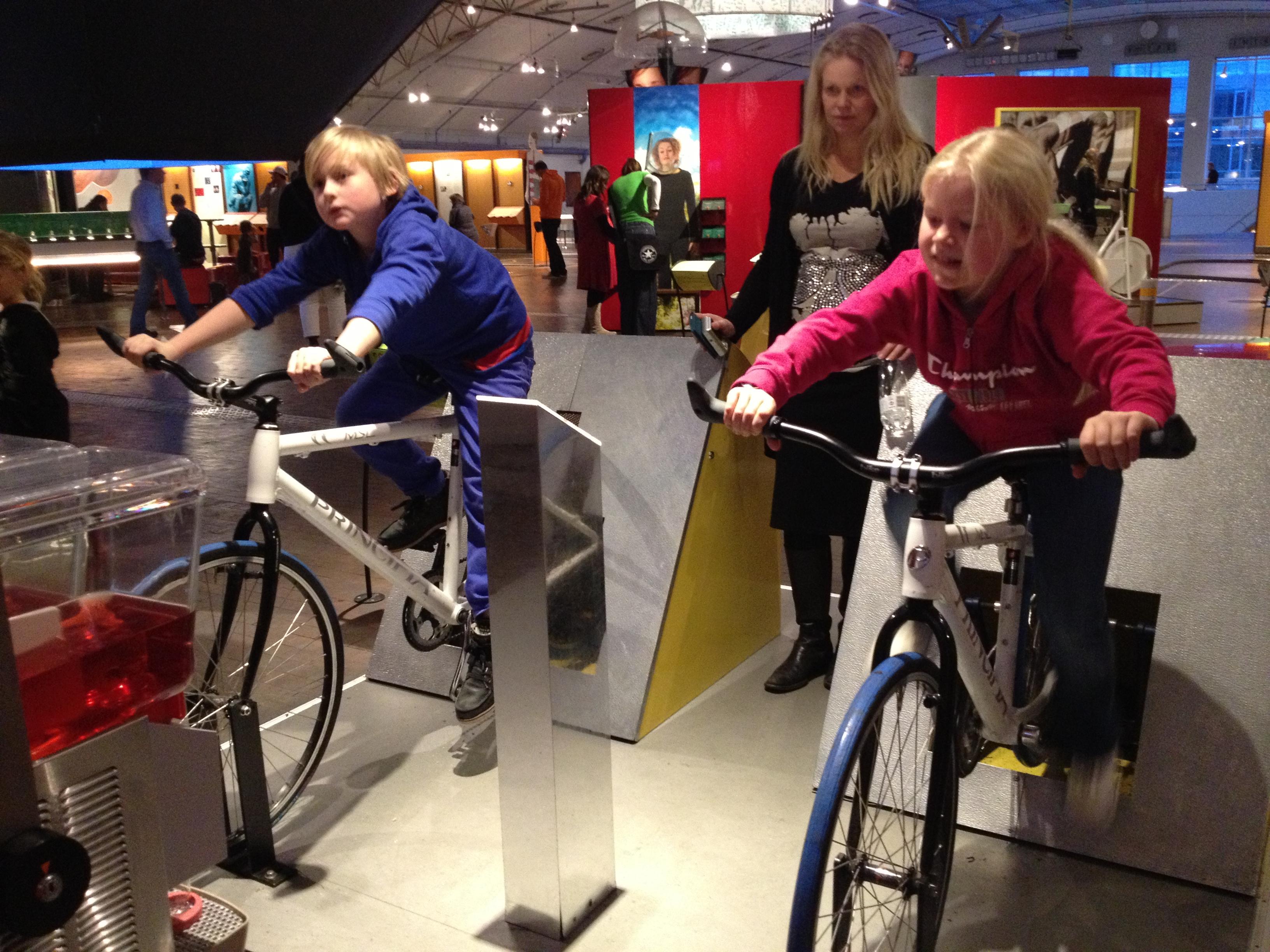 Lek loss på Experimentarium i Köpenhamn!